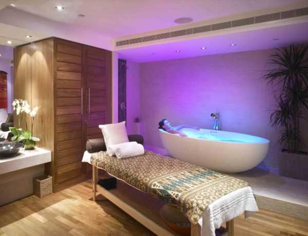 Ajala-London-Treatment-Room-lr
