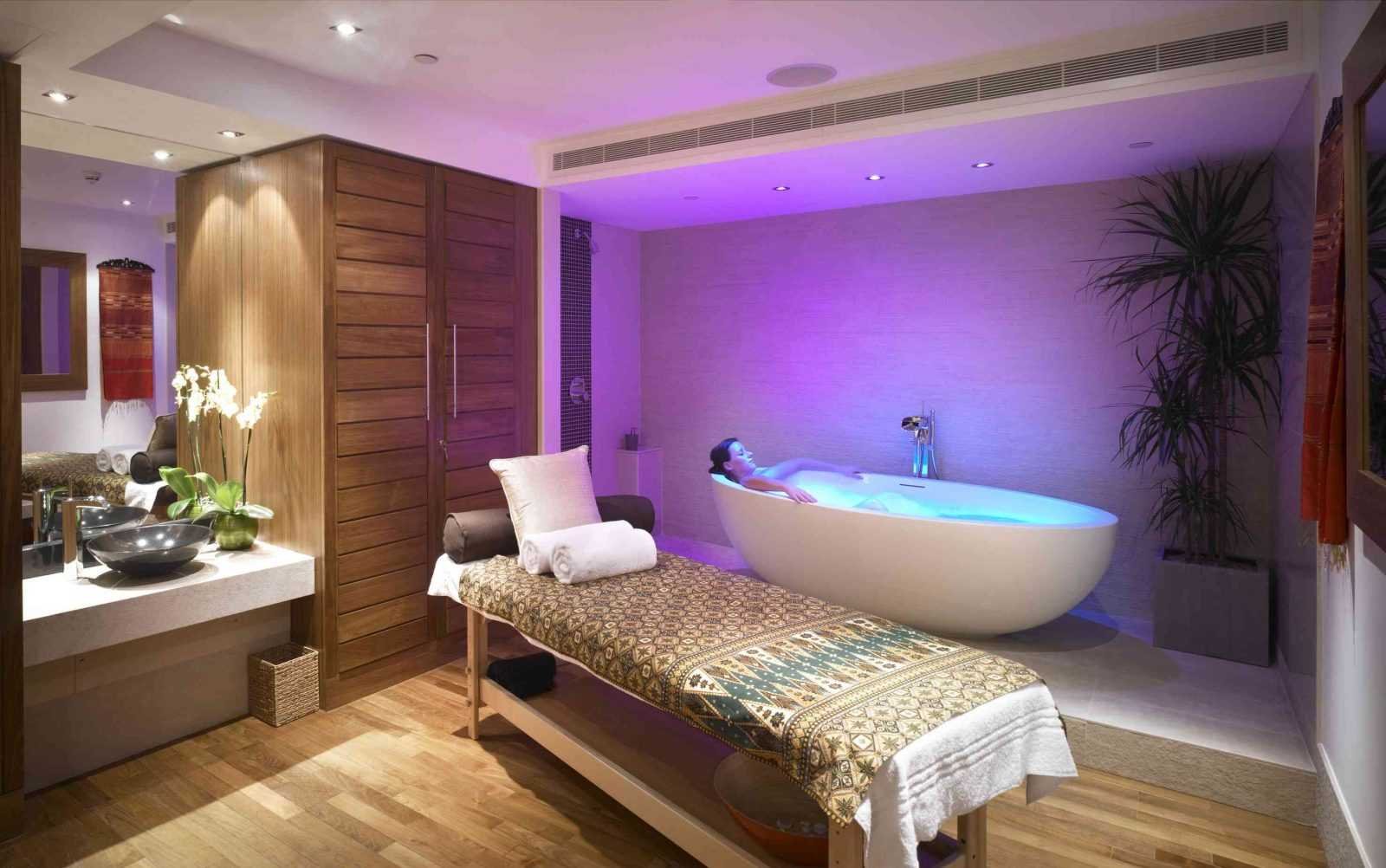 Ajala London - Treatment Room - www.gentlemansbutler.com