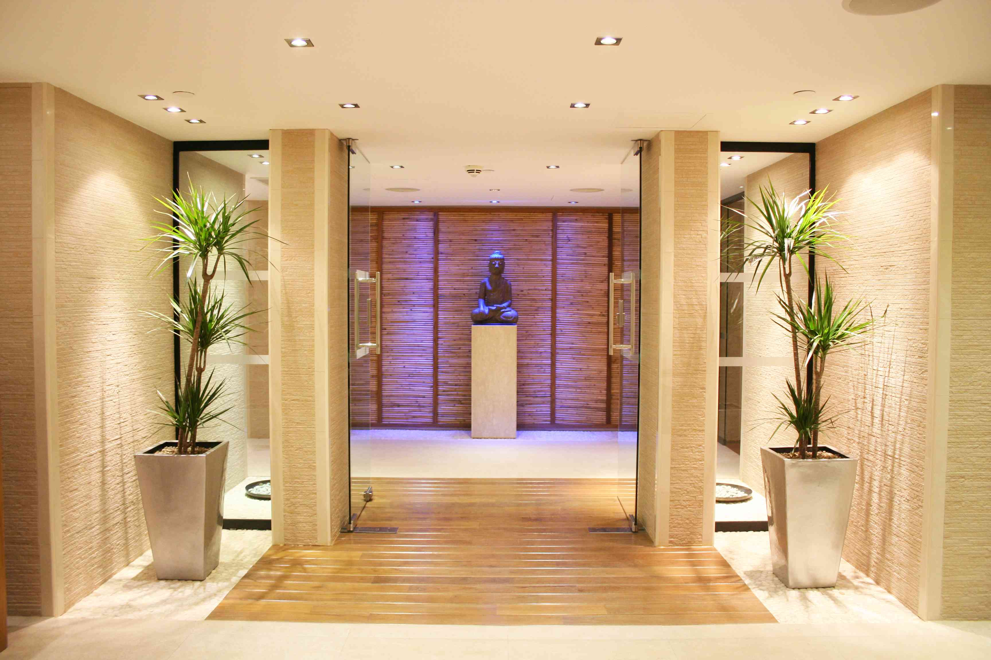 Ajala Spa London - Entrance - www.gentlemansbutler.com