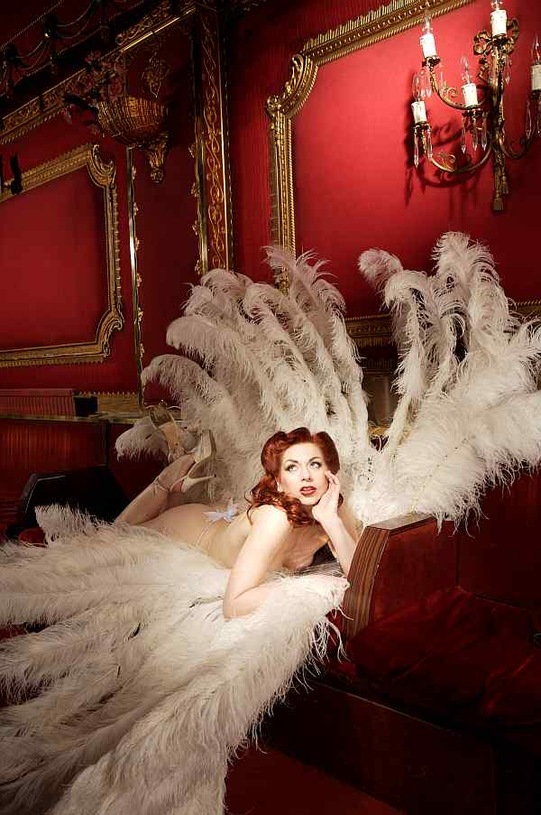 Gwendoline Lamour - call +44(0)20 878 5234 to book