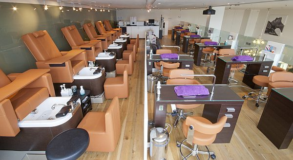 Luxury london beauty salons archives gentlemans butler - Nail salons in london ...