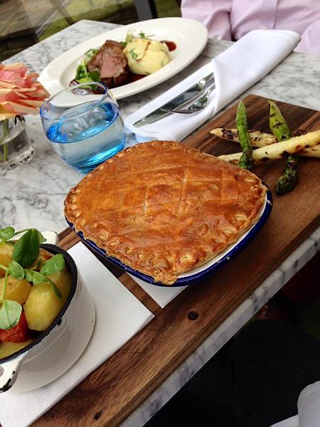 The Pilot Pub Greenwich - Pie