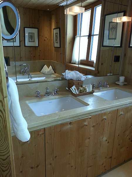 junior suite hotel aurelio, bathroom, the best ski hotels, gentlemans butler