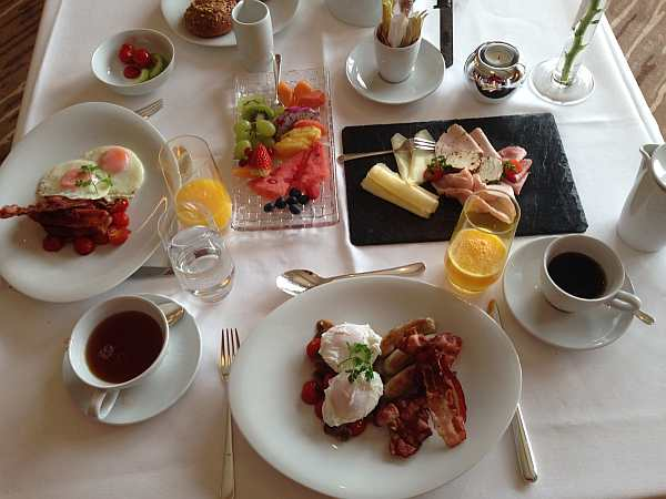 Hotel Aurelio breakfast, luxury breakfast in austria, luxury ski breakfast, the best ski hotels in the world