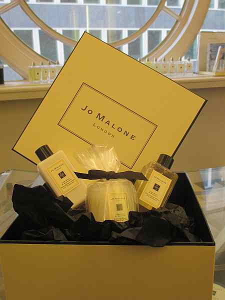 luxury fragrance, travel, gift box