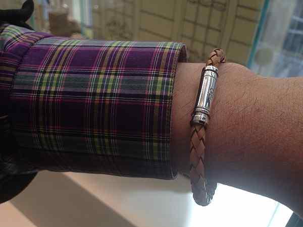 gentlemens leather bangle, luxury mens leather bangle