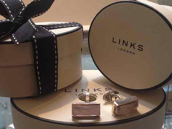 mother of pearl cufflinks, gentlemens cufflinks, luxury gentlemens cufflinks