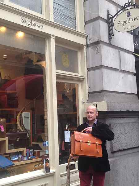 luxury leather goods in the city of london, luxury gentlemens leather goods, gentlemens gifting