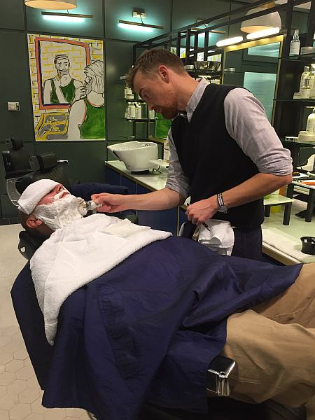 Murdock London - Soho, Gentlemans Butler having his shave