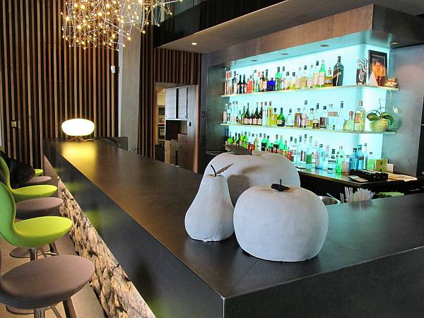 Crans Montana, Spring luxuries in the Mountains - Chetzeron hotel, cool bar