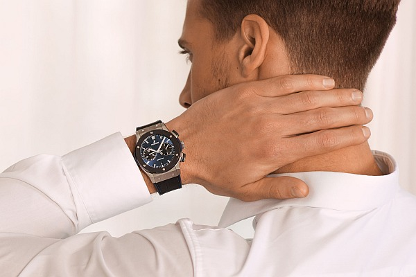 The Watch Gallery_Hublot-Exclusive_62616-watch on hand