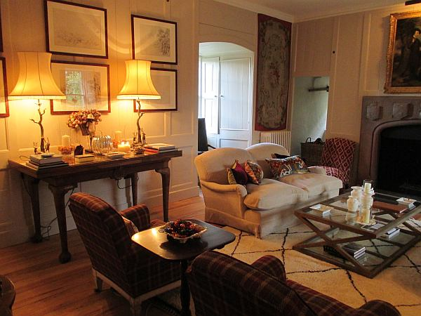 Cranshaws Castle, luxurious Scottish getaway - Drawing room, a place for convivial conversation