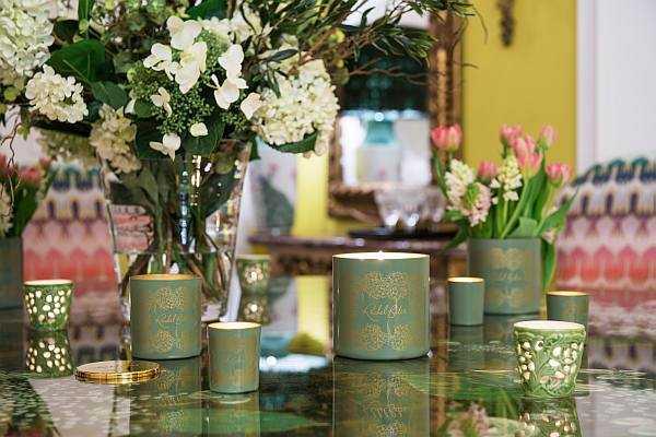 Rachel Bates Interiors Luxury Botanical Candle - Botanical Candles Lifestyle Shot