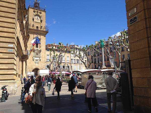 Luxury Retreats in Provence - Flower markets in Aix-en-Provence