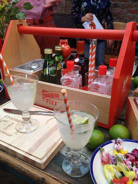 Cointreau fizz cocktail kit puts zizz into your summer for Cointreau mixed drinks