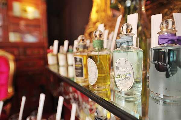 Luxury Fragrance Profiling with Penhaligon's - London perfumier presents their bottles on Burlington Arcade