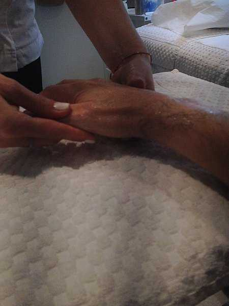 Mayfair beautician offering pure elegance - Alicia Janiec moisturising my hands