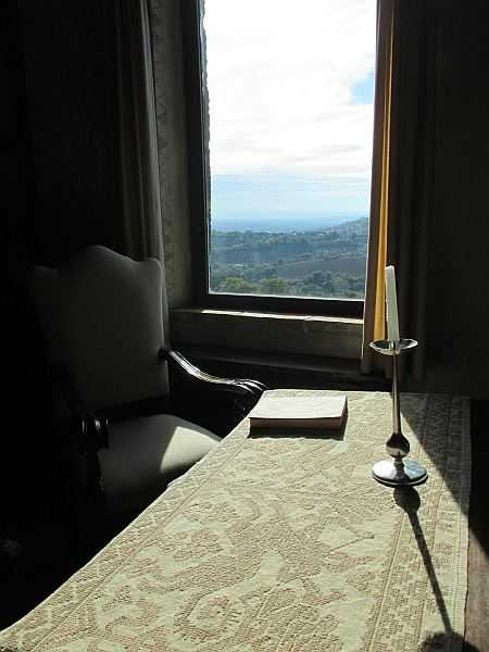 My beautiful love affair with Umbria - Castello di Monterone, peace and serenity with views over the rolling Umbrian hills