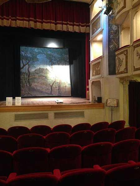 My beautiful love affair with Umbria - Teatro della Concordia in Monte Castello di Vibio