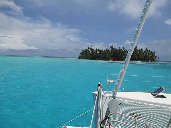 Tahiti By yacht