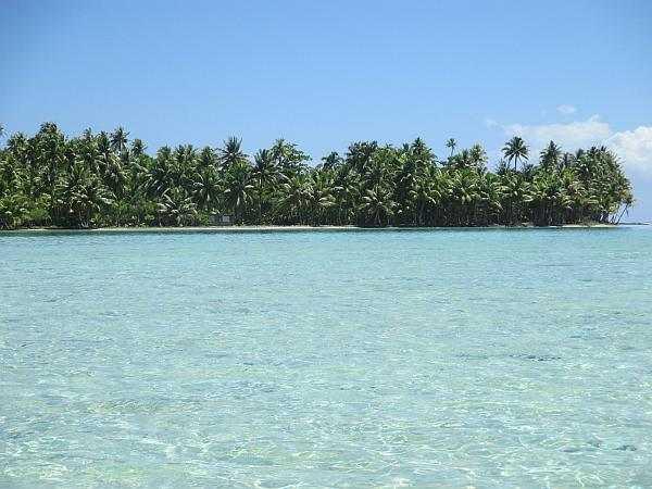 Tahiti Clear turquoise waters