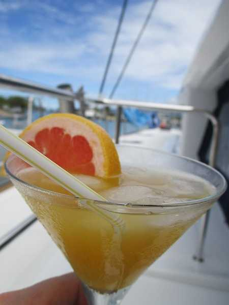 Tahiti yacht