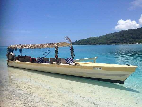 Huahine local boats