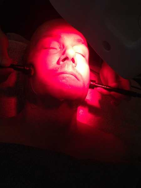 Luxury Knightsbridge Facialist Arezoo - red light glowing and still more goodness