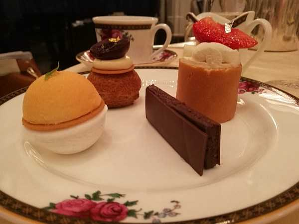 The Langham London - Afternoon Tea.... Cream Cakes