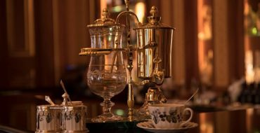 Royal Coffee Maker with Cups