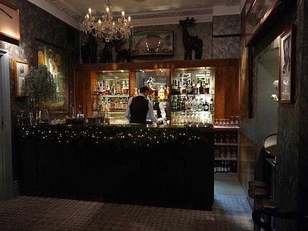 The Petersham Restaurant, Richmond offers a slice calm & seclusion - Bar prep...