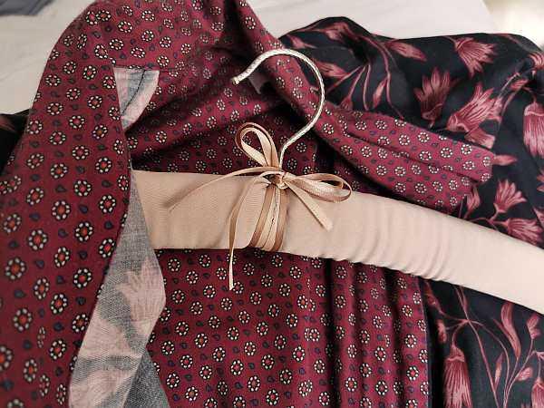 upholstered hangers